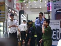 Khám xét chuỗi cửa hàng Nhật Cường Mobile do có dấu hiệu buôn lậu?