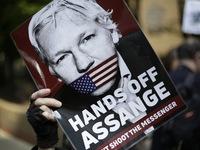 Nhà sáng lập WikiLeaks bị 'tra tấn tâm lý' trong thời gian dài