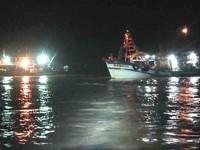 Cà Mau: Cứu vớt 3 ngư dân gặp nạn trên biển