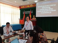 Bộ trưởng Phùng Xuân Nhạ kiểm tra kỳ thi THPT Quốc gia tại Đăk Lăk