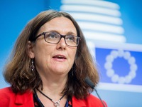 EU welcomes signing of free trade deals with Vietnam