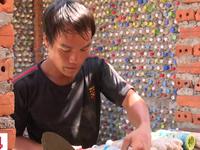Ngôi nhà từ vỏ chai nhựa trên đảo Bé, Lý Sơn