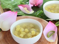 Lotus Seed Sweet soup – the Essence of Hanoi Cuisine
