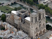 Nóc Nhà thờ Đức Bà Paris có thể sụp đổ vì nắng nóng