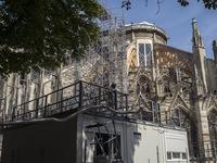 Pháp đóng cửa hai trường học do lo ngại về nồng độ chì cao từ Nhà thờ Đức Bà