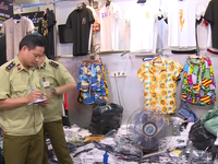 Thu giữ hàng nghìn sản phẩm giả các nhãn hiệu nổi tiếng tại chợ Ninh Hiệp