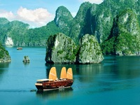Ha Long bay says no to single use plastic