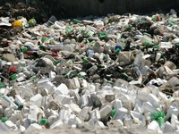 Hospitals urged to reduce plastic waste