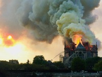 Paris bắt đầu xử lý ô nhiễm chì quanh Nhà thờ Đức Bà