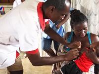 Phát động chiến dịch tiêm phòng sởi khẩn cấp tại CHDC Congo