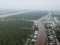 Mekong Delta region fights against landslides