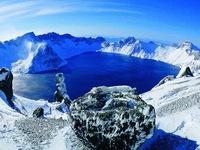 Hồ trên núi sâu nhất thế giới, đủ sức cấp nước ngọt cho thành phố đông dân suốt gần 2 năm