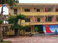 Nhiều trường hoãn khai giảng do mưa lũ