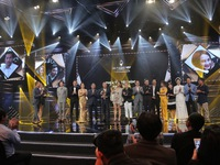VTV Awards 2019: Không có gì bất ngờ, Về nhà đi con là 'Phim truyền hình ấn tượng nhất'