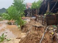 Quảng Bình: Di dời 7 hộ dân ra khỏi khu vực sạt lở nghiêm trọng