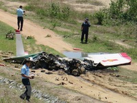 Two pilots killed in military aircraft crash in Khánh Hòa