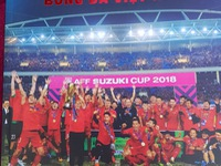 Relive in the glorious moments of Vietnam's Football in 2018 through Nguyen A's photobook