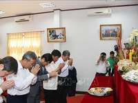 Vietnamese in Laos hold ceremony in honour of Hung Kings