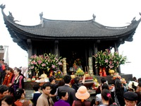 Quang Ninh vibrant with Yen Tu spring festival