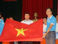 Tet gifts presented to soldiers on Truong Sa, DK1 platform