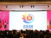 Vietnam officially assumes ASEAN chair 2020