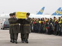 Ukraine đưa thi thể các nạn nhân vụ tai nạn máy bay ở Iran về nước