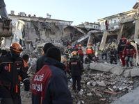 Tăng thương vong sau động đất ở Thổ Nhĩ Kỳ