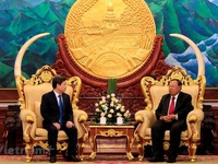 Lao leaders hail procuracy cooperation with Vietnam