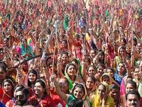 Hàng nghìn phụ nữ Ấn Độ lập kỷ lục thế giới với màn múa kiếm