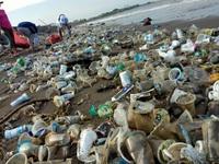 Người dân Thái Lan chung tay chống rác thải nhựa