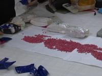 Bắt đối tượng vận chuyển 6 bánh heroin, 1 kg ketamin và 12.000 viên ma túy tổng hợp
