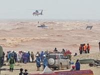 Đặc công nước, trực thăng quân đội giải cứu thành công thuyền viên bị nạn trên tàu Vietship 01