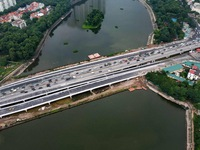 Hanoi expects to ease congestion in Linh Dam area with new bridges over lake