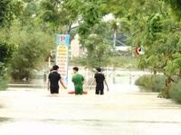 Người dân vùng lũ miền Trung: 'Nước lên nhanh quá, chúng tôi phải di tản khẩn cấp'