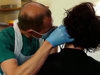 Lây nhiễm cho tình nguyện viên để nghiên cứu COVID-19 tại Anh