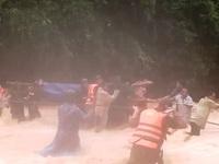 Băng rừng cõng thi thể đại úy Trương Văn Thắng về nơi an nghỉ