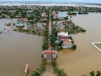 Hơn 270.000 nhà bị ngập và 37.500 nhà bị hư hại sau đợt mưa lũ lịch sử ở miền Trung
