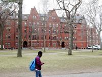 Đại học Mỹ: Sinh viên cố tình mắc COVID-19 có thể bị đuổi học vĩnh viễn