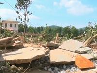 Trôi hết tài sản, hàng nghìn hộ dân Quảng Bình trắng tay sau mưa lũ