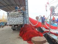 Chìm tàu cá trên đường tránh bão số 9, 12 ngư dân mất tích