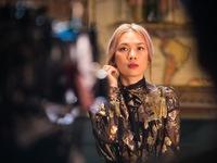 Mỹ Tâm cực xinh đẹp trong hậu trường 'Đúng cũng thành sai'