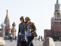 Nga hối thúc bệnh nhân COVID-19 đeo khẩu trang dù đã âm tính