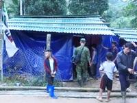 Mái nhà tạm cho những hộ dân bị mất nhà cửa trong trận sạt lở ở Trà Leng
