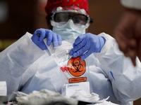 'Chỉ vaccine COVID-19 không đủ kết thúc đại dịch'