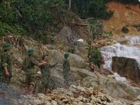 Vụ sạt lở tại Thủy điện Rào Trăng 3: Nước suối dâng cao, việc nắn dòng gặp khó khăn