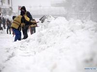 Hủy gần 200 chuyến bay, đóng cửa đường cao tốc, trường học do bão tuyết tại Trung Quốc