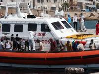 Italy triệt phá đường dây đưa người di cư bất hợp pháp, bắt giữ 19 đối tượng