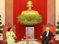 Top leader receives outgoing Cuban Ambassador