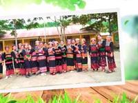Hoa việc tốt: Người phụ nữ lưu giữ nét văn hóa người Xa Phó