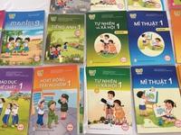 Hiệu trưởng trường phổ thông được chọn sách giáo khoa
